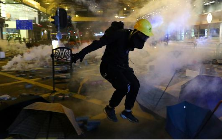 Hong Kong: End excessive use of force