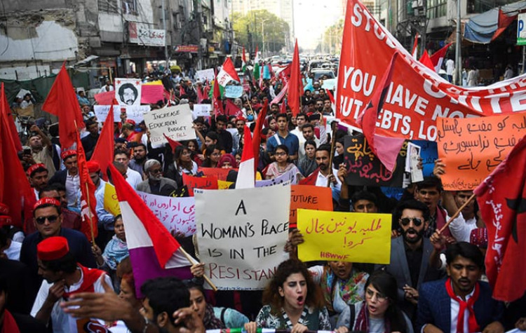 Pakistan: Stop crackdown on peaceful Student Solidarity March and respect freedom of association