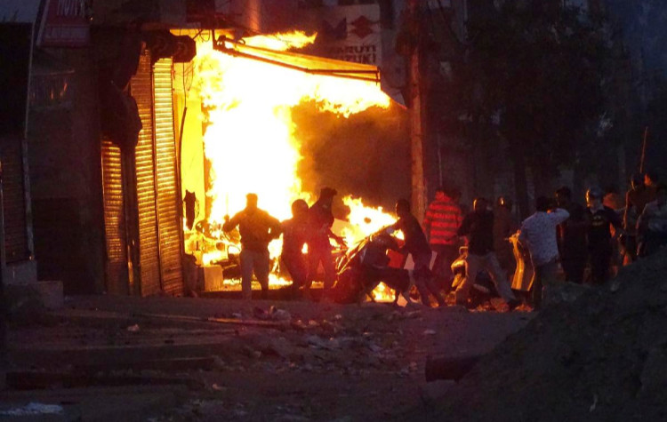 India: Put an end to all forms of violence and allow peaceful protests across the country